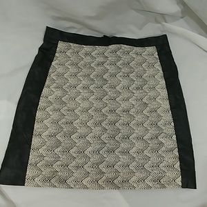 H&M White Black textured PU skirt 10